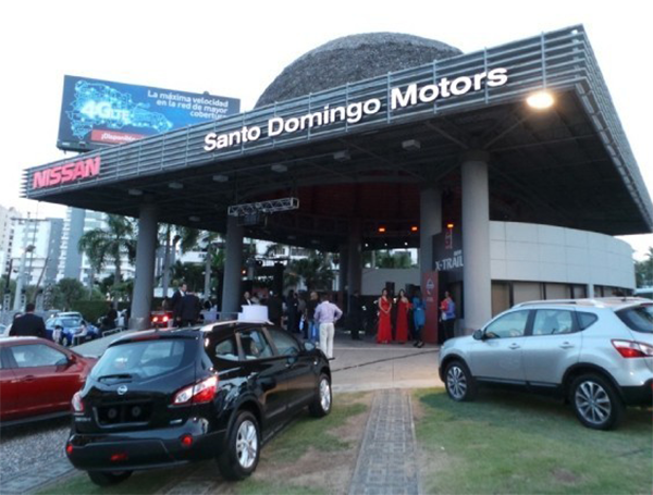 santo domingo motors inaugura showroom de veh culos nissan
